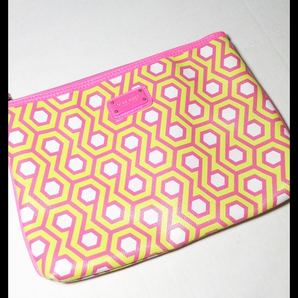NINE WEST Pink Can't Stop Wristlet Makeup